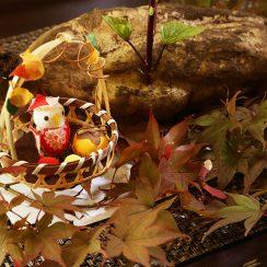 蔵の玄関を秋色に♪